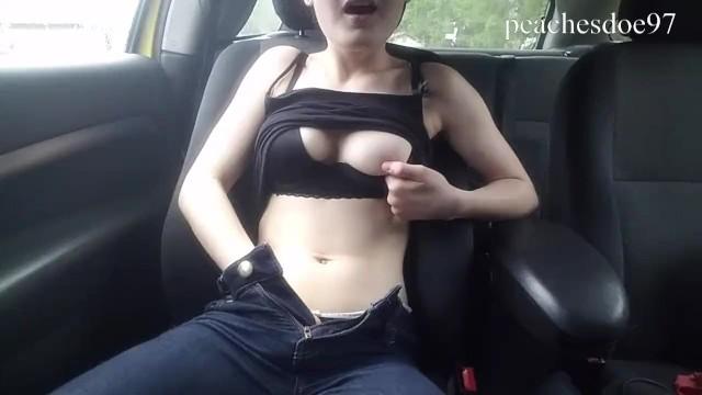Fucking Myself And Cumming In Public! @peachesdoe97