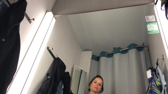 Public Masturbation In Changing Room - Very Hot !!!