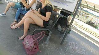Attractive Mom Legs Crossed Toes Nonpro Voyeur Candid 18