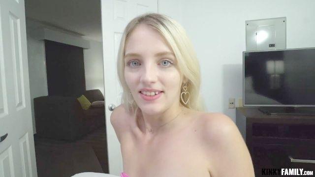 Bloom fuck emily Free Emily