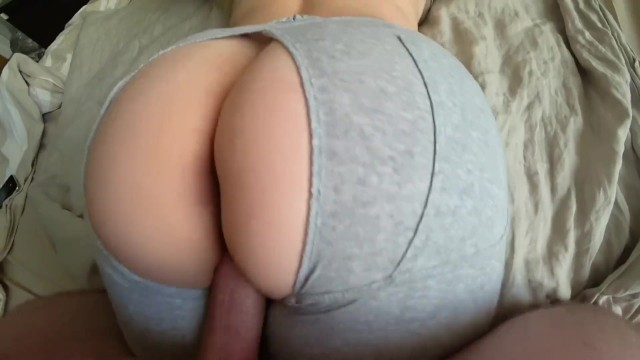Young Teen With A Big Ass Loves To Fuck Through Yoga Pants